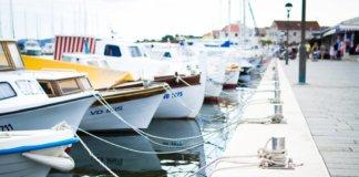 yacht job