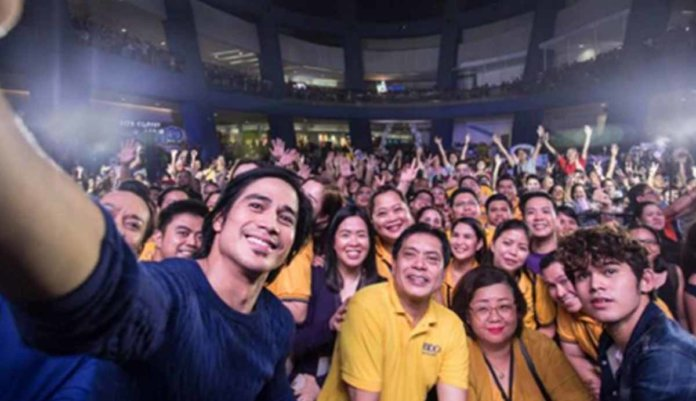 balikbayans - bravo filipino
