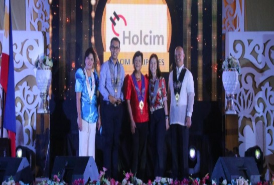 Holcim Helps CSR 2020-Bravo Filipino